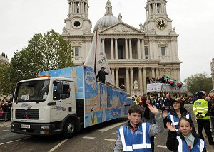 The PLA float passes St Paul's (click on image to enlarge)