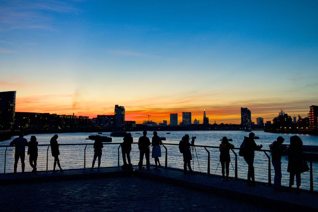 Tidal Thames sunset gets PLA thumbs-up for Thames Lens 2018