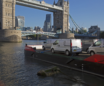 Innovative Self-Powered Work Barge Enters Service on the River Thames